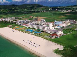 久米島イーフビーチホテル(ビーチ目の前!)