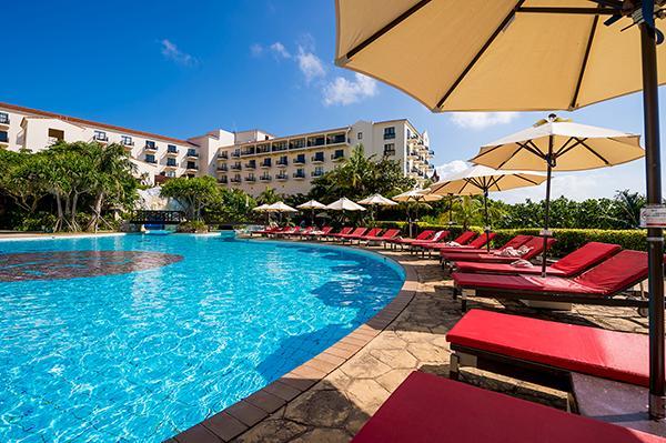 《朝食ランキング常連!ビーチ沿いの大人気リゾート》ホテル日航アリビラ